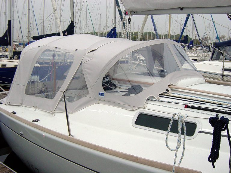 Beneteau First 25.7 Cockpit Enclosure