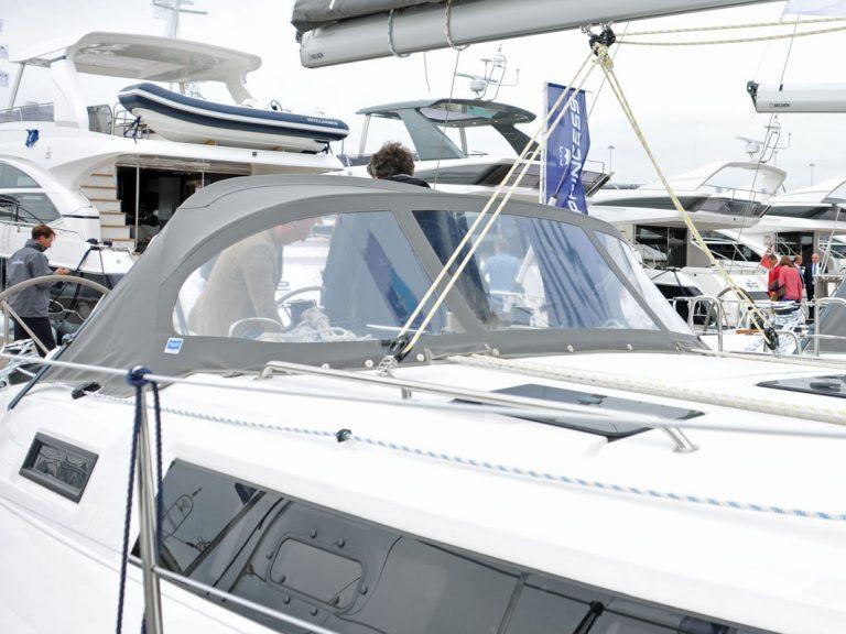 Bavaria Cruiser 37 Sprayhood, 2013