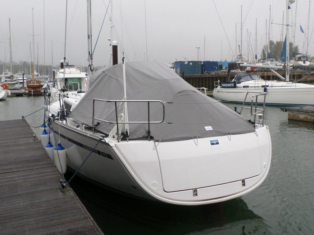 Bavaria Cruiser 33 Tonneau Cover, Zip attached to Sprayhood