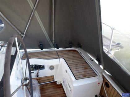 bavaria vision 42 higher cockpit enclosure 6