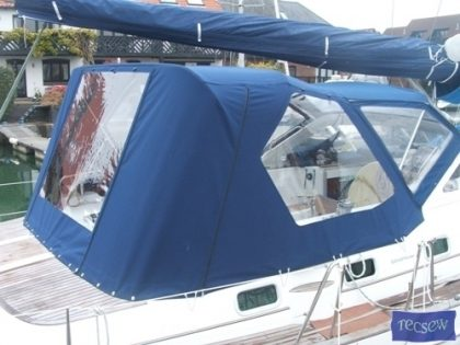 beneteau 42 cc cockpit enclosure fitted to factory supplied sprayhood 2