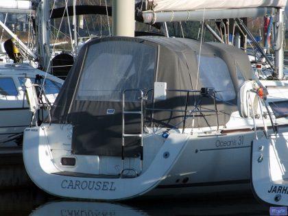 beneteau oceanis 31 cockpit enclosure fitted to tecsew supplied sprayhood 3