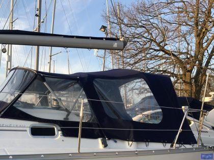 beneteau oceanis 323 cockpit enclosure 4