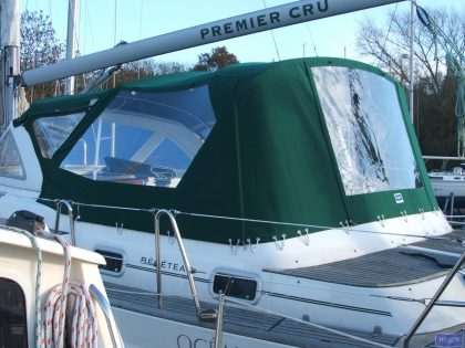beneteau oceanis 36cc cockpit enclosure fitted to factory sprayhood 1
