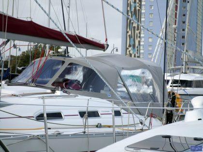 beneteau oceanis 393 cockpit enclosure 3