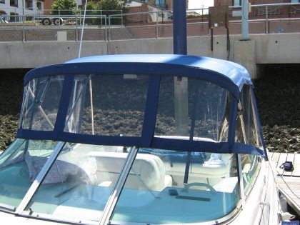 chaparral signature 240 cockpit canopy and zip attached tonneau 2