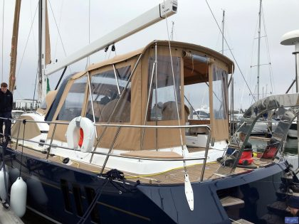 discovery 54 bimini conversion fitted to tecsew bimini 1