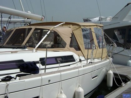 dufour 405 bimini conversion fitted to tecsew bimini and factory sprayhood 4