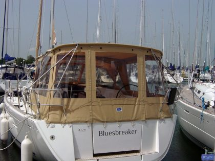 dufour 405 bimini conversion fitted to tecsew bimini and factory sprayhood 5