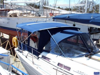 dufour 425 bimini conversion fitted to factory nv sprayhood and bimini 4