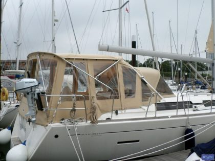 dufour 445 bimini conversion fitted to tecsew supplied bimini 1