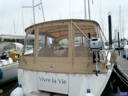 dufour 445 bimini conversion fitted to tecsew supplied bimini 2