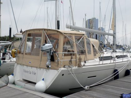 dufour 445 bimini conversion fitted to tecsew supplied bimini 3
