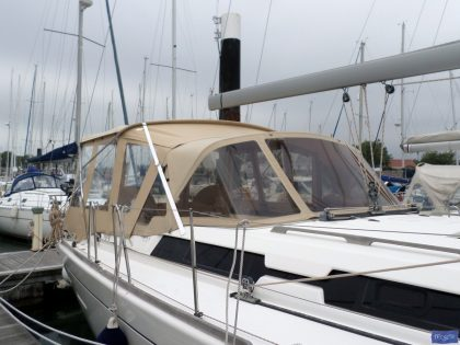 dufour 445 bimini conversion fitted to tecsew supplied bimini 4