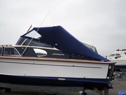 fairey huntsman 31 zip attached tonneau fitted to tecsew sprayhood 1