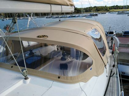 hanse 375 cockpit enclosure fitted to recover for factory fit sprayhood 4