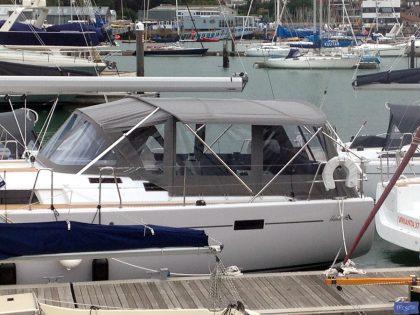 hanse 505 bimini conversion fitted to tecsew standard bimini 1