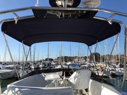 Beneteau Swift Trawler ST 35, Flybridge Bimini_1