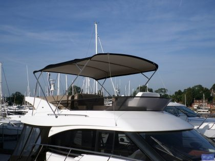 BMB 420 Virtess 420 Flybridge Bimini_1