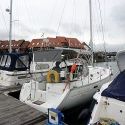 Beneteau Oceanis 331 Bimini, LACEWING_3