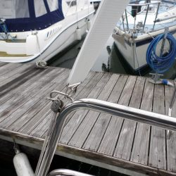 Beneteau Oceanis 331 Bimini, LACEWING_8