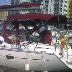 Beneteau Oceanis 361, 4 bar bimini extended aft of backstays_5