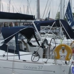 Beneteau Oceanis 37 Bimini_2