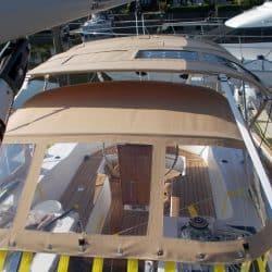 Discovery 435 Bimini with solar panel pockets_1