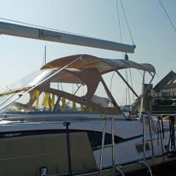 Discovery 435 Bimini with solar panel pockets_5