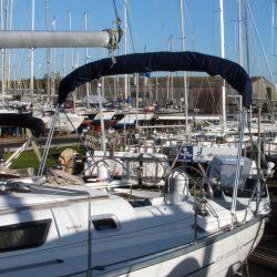 Jeanneau Sun Odyssey 40 Bimini, extends aft of the backstays_6
