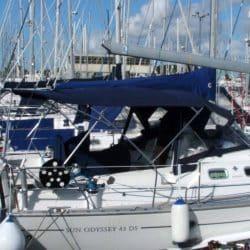 Jeanneau Sun Odyssey 43ds Bimini, new design with aft extension_3