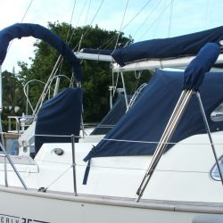 Southerly 35rs, 3 part Bimini_10