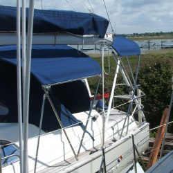 Southerly 35rs, 3 part Bimini_2