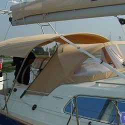 Southerly 35rs Bimini, forward mainsheet position_4
