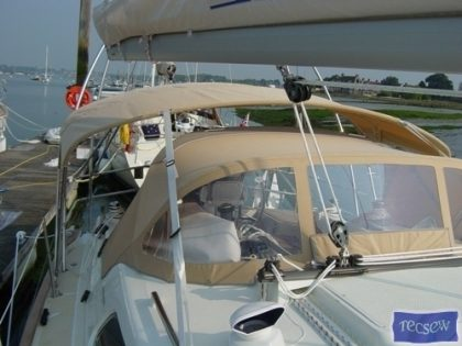 Southerly 35rs Bimini, forward mainsheet position_1