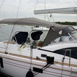 Southerly 535 with windscreen, Bimini on slide track with Sprayhood connection panel_1