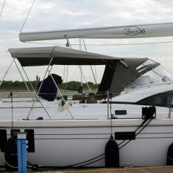 Southerly 535 with windscreen, Bimini on slide track with Sprayhood connection panel_11