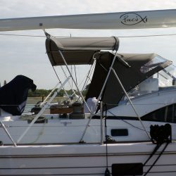 Southerly 535 with windscreen, Bimini on slide track with Sprayhood connection panel_2