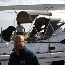Southerly 535 with windscreen, Bimini on slide track with Sprayhood connection panel_4