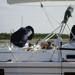 Southerly 535 with windscreen, Bimini on slide track with Sprayhood connection panel_6