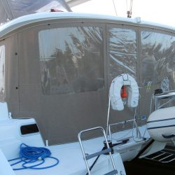 Lagoon 400 Cockpit Enclosure With Internal Window Blinds_3