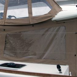 Lagoon 400 Cockpit Enclosure With Internal Window Blinds_4