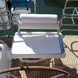 Hanse 575 Helm Seats and Backrests_2