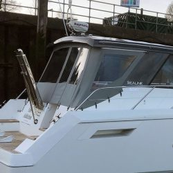 Sealine SC 47 Recover Aft canopy_10