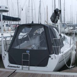 Dehler 32 Cockpit Enclosure fitted to factory supplied Sprayhood_3