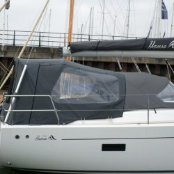 Hanse 455 Cockpit Enclosure fitted to factory fit Sprayhood_5