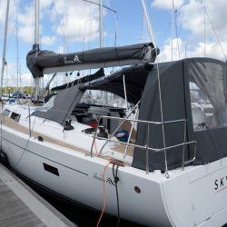 Hanse 455 Cockpit Enclosure fitted to factory fit Sprayhood_8