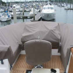 Sealine F42 Flybridge crew covers_1