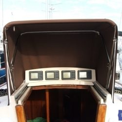 Sadler 32 Hatch hood_1
