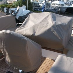 Sealine F42 helm seat cover_1